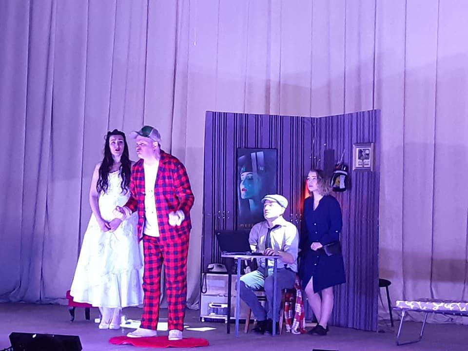 «Украдена краса»: золотонісцям презентували театральну постановку