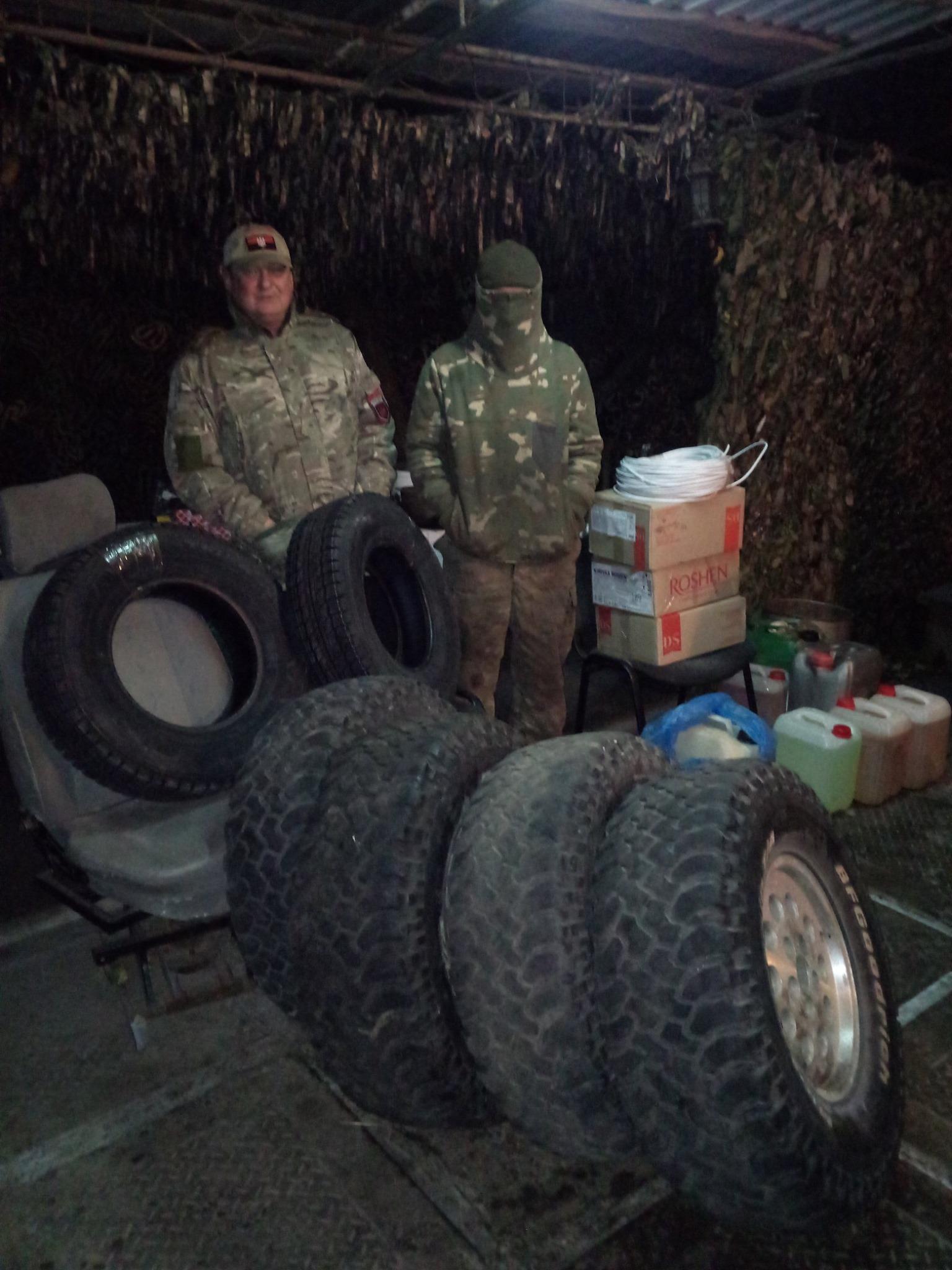 Військові на сході України отримують допомогу