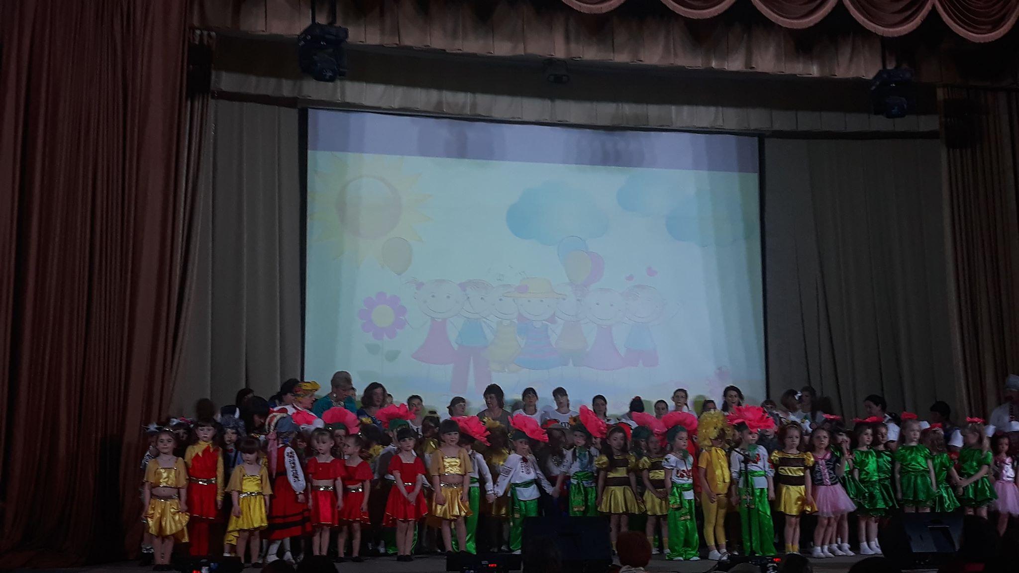 Людмила Русаліна подарувала солодощі золотоніським дошкільникам