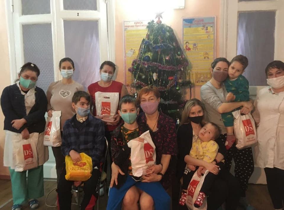 Різдвяна акція для діточок НДСЛ « ОХМАТДИТ»